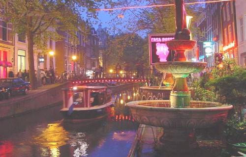 La zona roja amsterdam for Amsterdam casa rosa