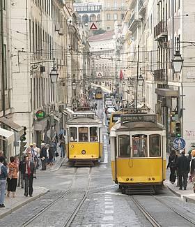 http://www.mundocity.com/europa/lisboa/calle-lisboa.jpg