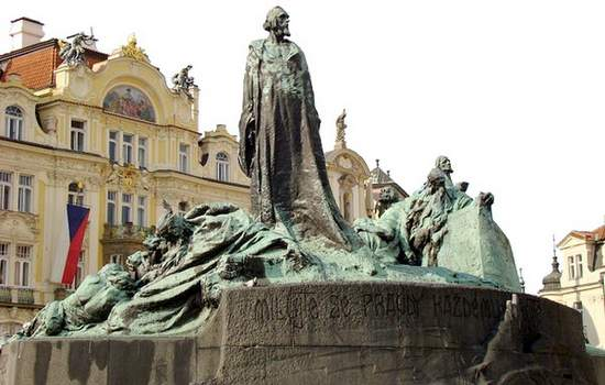 Monumento a Jan Hus